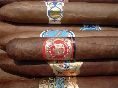 AUTH - GEN - Cigars