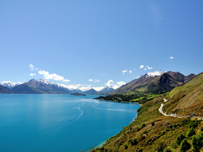 AUTH-Lake-Wakatipu-New-Zealand