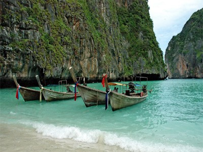 AUTH - Asia - Thai longtail boats
