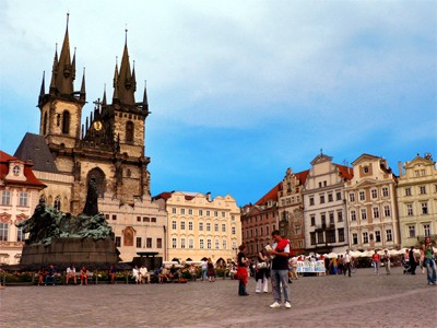 AUTH - EUR - Prague Old Town Square