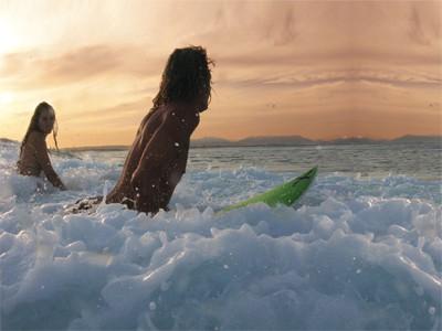 Contiki Beaches & Reef surfers