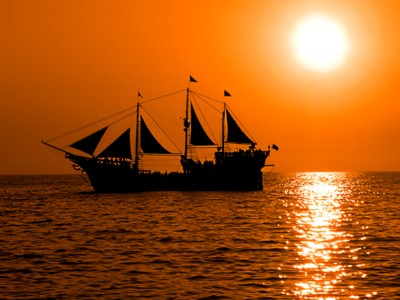 http://www.dreamstime.com/stock-photography-pirate-boat-image1295752