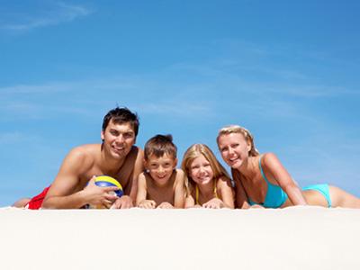 AUTH - Family beach