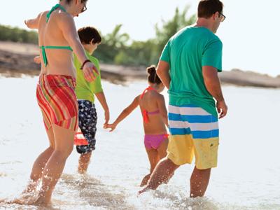 AUTH - NCL - family on beach