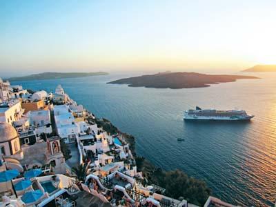 AUTH - NCL - Jade - Santorini - Greece