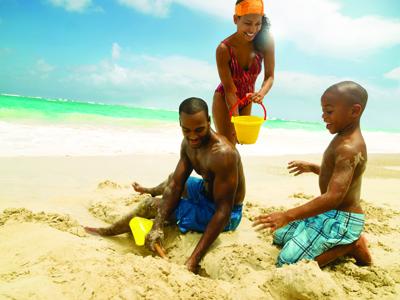 AUTH-RCI-Caribbean-Family-Beach